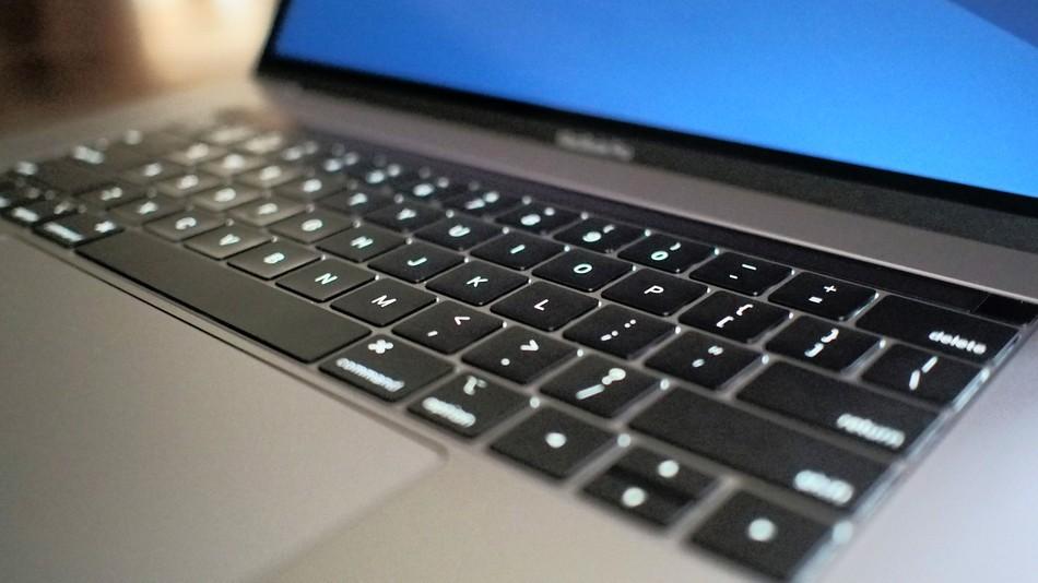 984535d7647 MacBook Pro keyboard problem